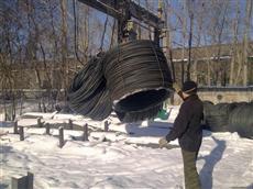 Разгрузка бухты канатной арматуры